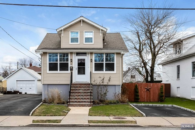 Single Family Home for Sale at 18 Berger Street 18 Berger Street Moonachie, New Jersey 07074 United States