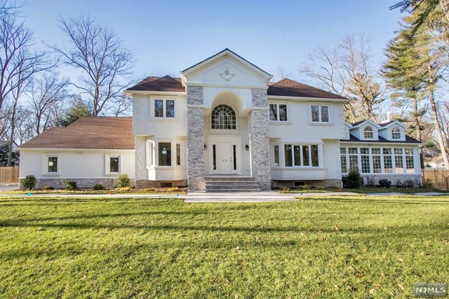 Single Family Home for Sale at 635 Piermont Road 635 Piermont Road Demarest, New Jersey 07627 United States