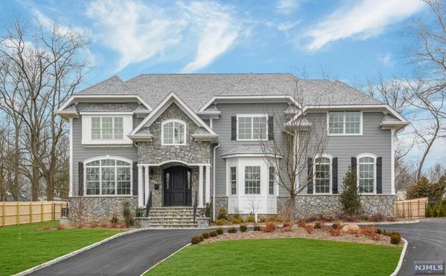 Single Family Home for Sale at 375 White Oak Ridge Road 375 White Oak Ridge Road Millburn, New Jersey 07078 United States