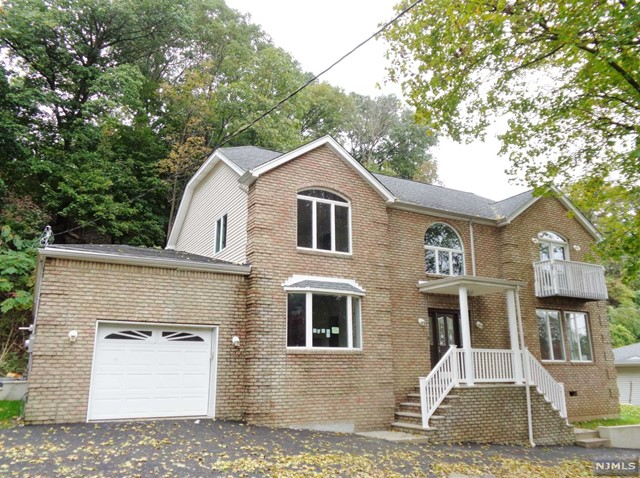 Single Family Home for Sale at 508 Rifle Camp Road 508 Rifle Camp Road Woodland Park, New Jersey 07424 United States