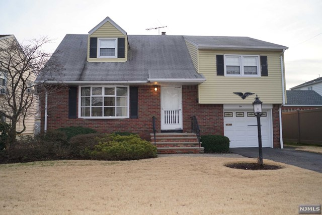 Single Family Home for Sale at 10 Miller Street 10 Miller Street Wallington, New Jersey 07057 United States