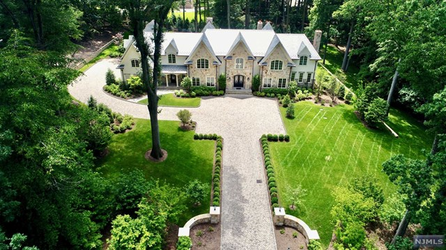 Single Family Home for Sale at 64 Oak Road 64 Oak Road Saddle River, New Jersey 07458 United States