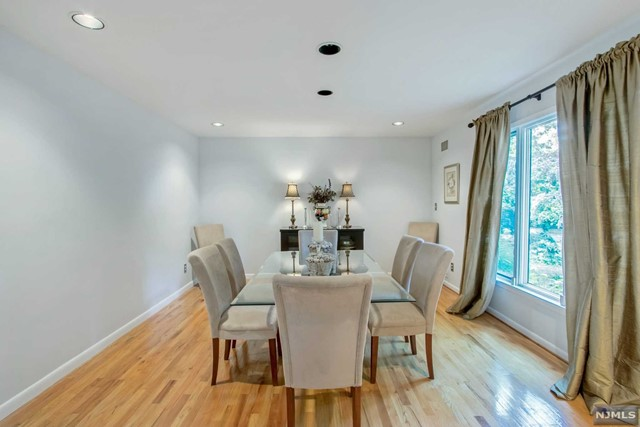 Additional photo for property listing at 561 Huckleberry Lane 561 Huckleberry Lane Franklin Lakes, New Jersey 07417 United States