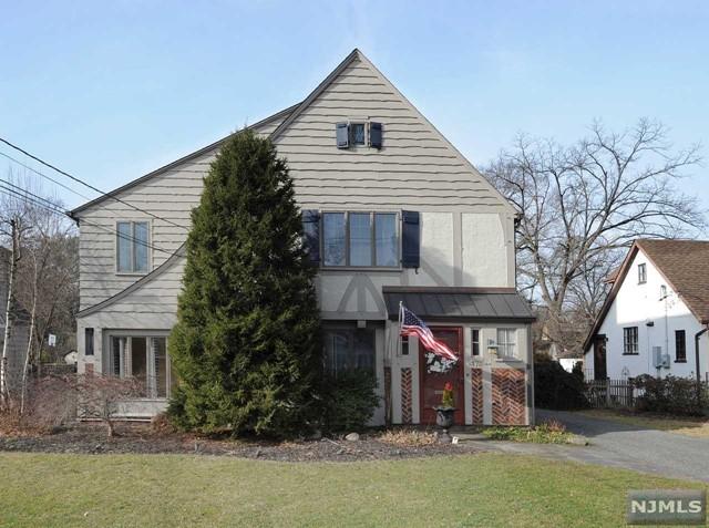 Single Family Home for Sale at 173 Sheridan Avenue 173 Sheridan Avenue Ho Ho Kus, New Jersey 07423 United States