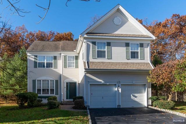 Condominium for Sale at 9 Chestnut Ridge Court 9 Chestnut Ridge Court Little Falls, New Jersey 07424 United States