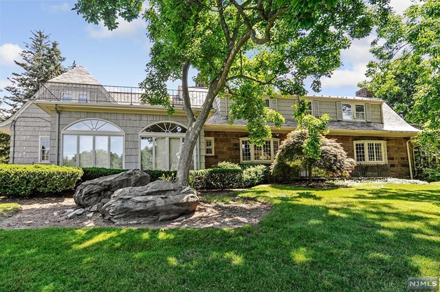 Single Family Home for Sale at 58 Jacquelin Avenue 58 Jacquelin Avenue Ho Ho Kus, New Jersey 07423 United States
