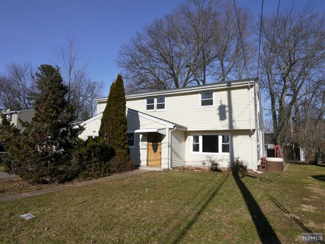 Single Family Home for Sale at 207 Campora Drive 207 Campora Drive Northvale, New Jersey 07647 United States