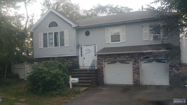 Single Family Home for Sale at 35 Summit Place 35 Summit Place Little Ferry, New Jersey 07643 United States