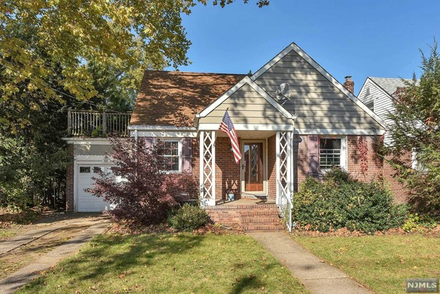 Single Family Home for Sale at 12-11 Alexander Avenue 12-11 Alexander Avenue Fair Lawn, New Jersey 07410 United States