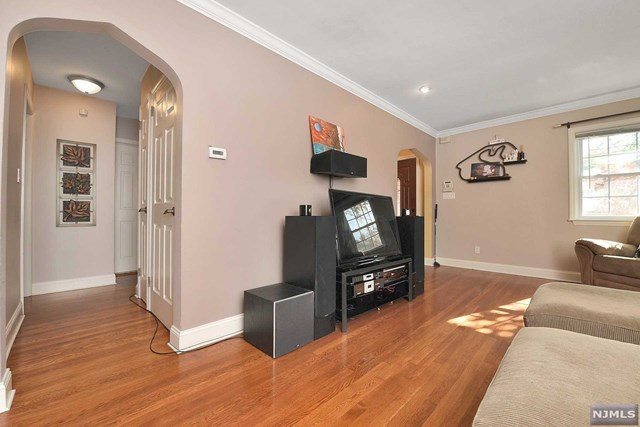 Additional photo for property listing at 12-11 Alexander Avenue 12-11 Alexander Avenue Fair Lawn, New Jersey 07410 United States