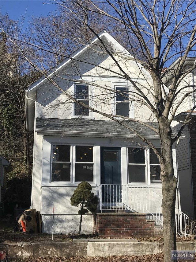 Single Family Home for Sale at 432 6th Street 432 6th Street Carlstadt, New Jersey 07072 United States