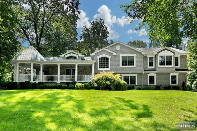 Single Family Home for Sale at 57 Woodcrest Drive 57 Woodcrest Drive Woodcliff Lake, New Jersey 07677 United States