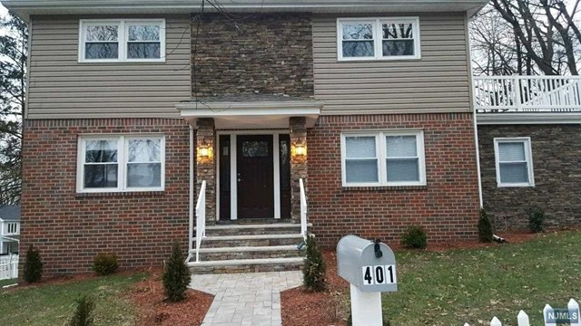 Single Family Home for Sale at 401 Fort Lee Road 401 Fort Lee Road Leonia, New Jersey 07605 United States