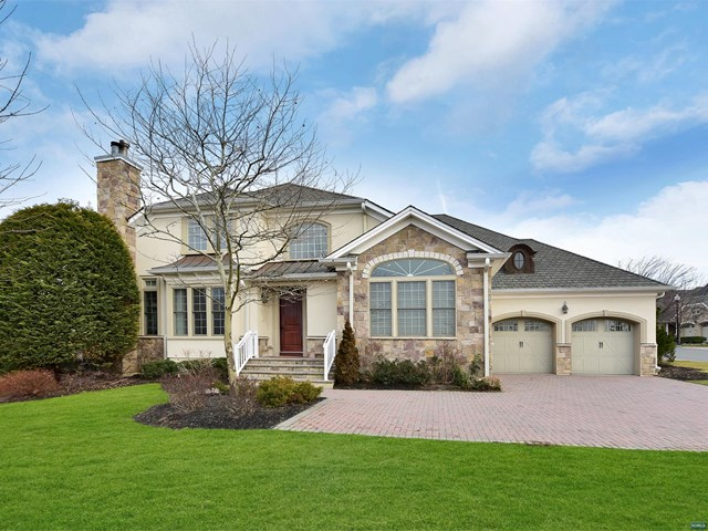 Condominium for Sale at 11 Windsor Lane 11 Windsor Lane Ramsey, New Jersey 07446 United States