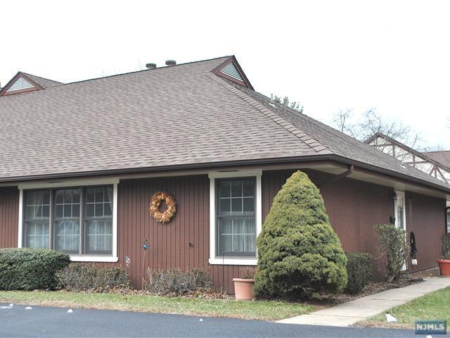 Condominium for Sale at 5-4 Tamaron Drive 5-4 Tamaron Drive Waldwick, New Jersey 07463 United States