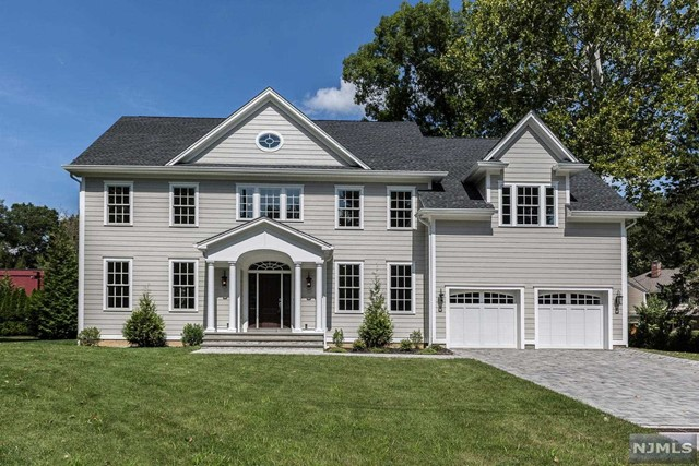 Single Family Home for Sale at 7 Taylor Place 7 Taylor Place Harrington Park, New Jersey 07640 United States