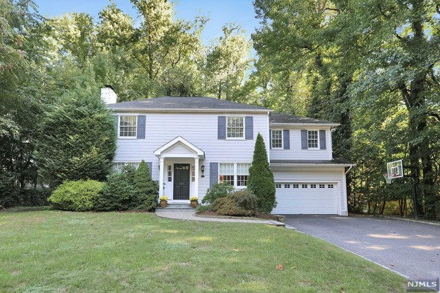 Single Family Home for Sale at 37 Howard Park Drive 37 Howard Park Drive Tenafly, New Jersey 07670 United States