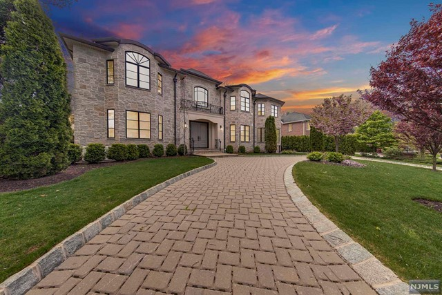 Single Family Home for Sale at 15 Stephen Drive Englewood Cliffs, New Jersey 07632 United States