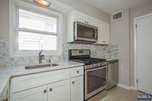 Villas / Townhouses for Sale at 57 South Avenue 57 South Avenue Hawthorne, New Jersey 07506 United States