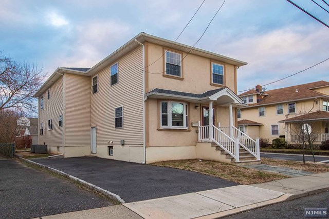 Single Family Home for Sale at 68 Highland Place 68 Highland Place Ridgefield Park, New Jersey 07660 United States