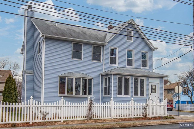 Single Family Home for Sale at 89 Liberty Street 89 Liberty Street Little Ferry, New Jersey 07643 United States