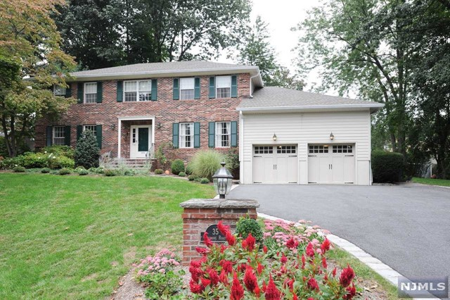 Single Family Home for Sale at 35 Ardmore Road 35 Ardmore Road Ho Ho Kus, New Jersey 07423 United States
