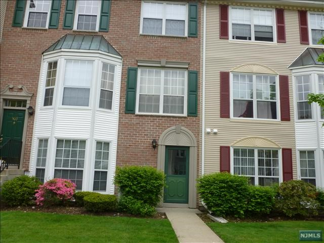 Rental Communities for Rent at 499 Quince Court 499 Quince Court Mahwah, New Jersey 07430 United States