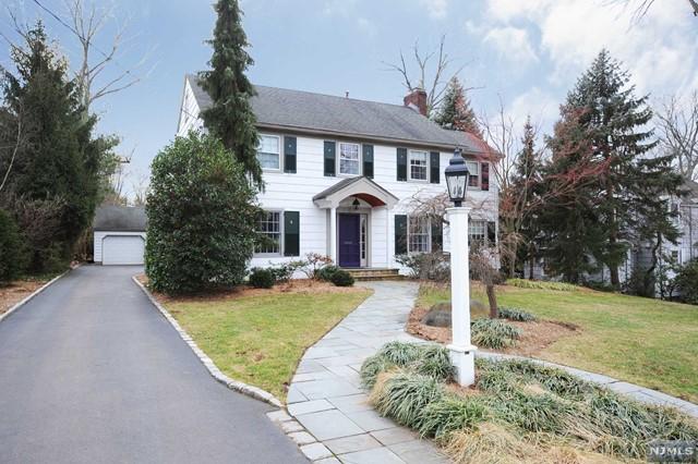 Single Family Home for Sale at 314 Hamilton Road 314 Hamilton Road Ridgewood, New Jersey 07450 United States
