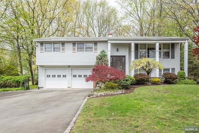 Home For Sale At 15 Harwood Place In Wayne Nj For 499 000