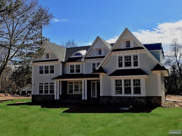 Single Family Home for Sale at 453 Wyckoff Avenue 453 Wyckoff Avenue Wyckoff, New Jersey 07481 United States