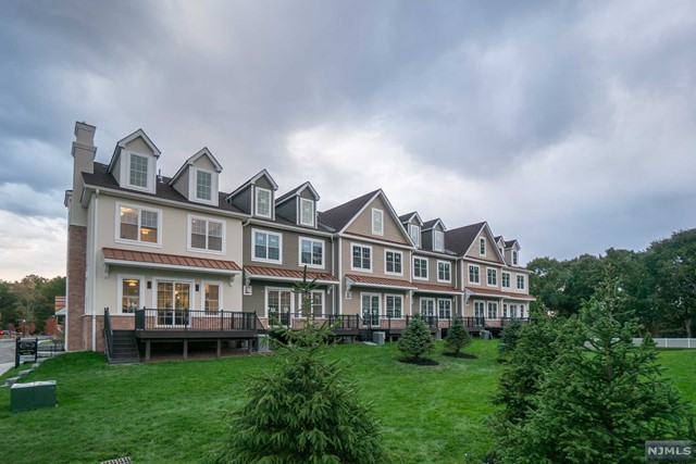 Condo / Townhouse for Sale at The Alexa, 205 Premier Way 205 Premier Way Montvale, New Jersey 07645 United States