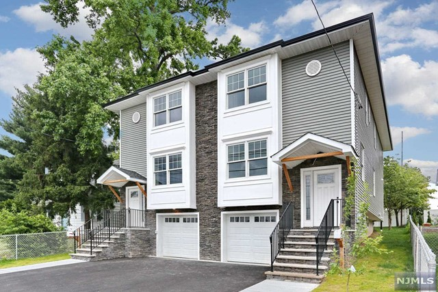 Single Family Home for Sale at 556 Palisade Avenue 556 Palisade Avenue Garfield, New Jersey 07026 United States