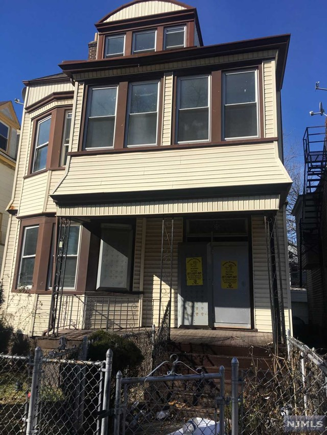Villas / Townhouses for Sale at 23 South 17th Street 23 South 17th Street East Orange, New Jersey 07018 United States