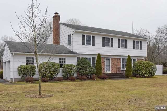 Home For Sale At 957 Preakness Avenue In Wayne Nj For 549 900