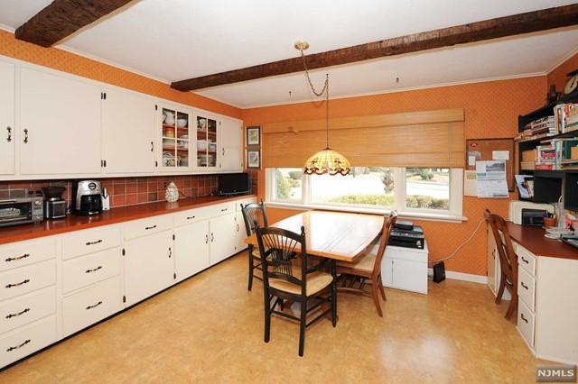 Additional photo for property listing at 126 Sunset Avenue 126 Sunset Avenue Ridgewood, New Jersey 07450 United States