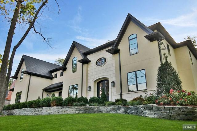 Single Family Home for Rent at 14 Dogwood Lane 14 Dogwood Lane Tenafly, New Jersey 07670 United States