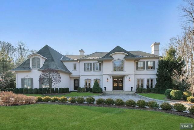 Single Family Home for Sale at 80 Glenwood Road 80 Glenwood Road Upper Saddle River, New Jersey 07458 United States