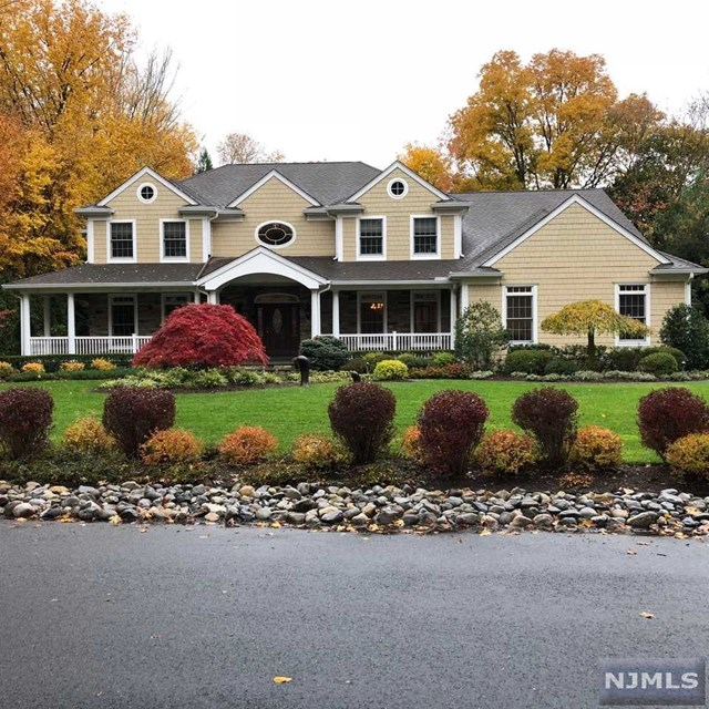 Single Family Home for Sale at 46 North Avenue 46 North Avenue Montvale, New Jersey 07645 United States