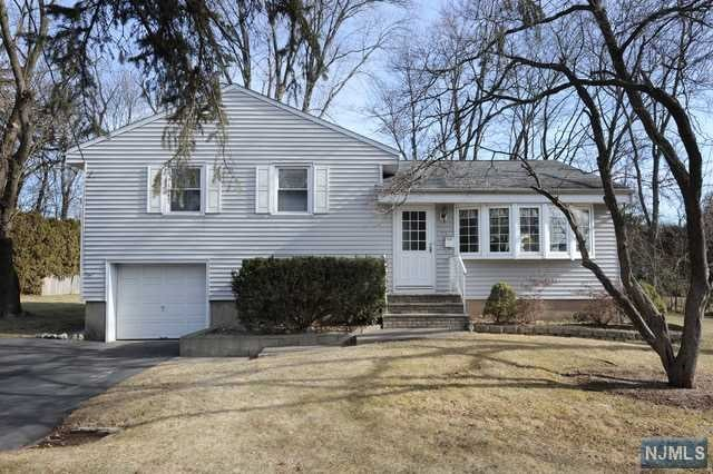Single Family Home for Sale at 93 Arbor Drive 93 Arbor Drive Ho Ho Kus, New Jersey 07423 United States