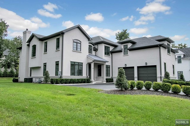 Single Family Home for Sale at 109 Macarthur Avenue 109 Macarthur Avenue Closter, New Jersey 07624 United States