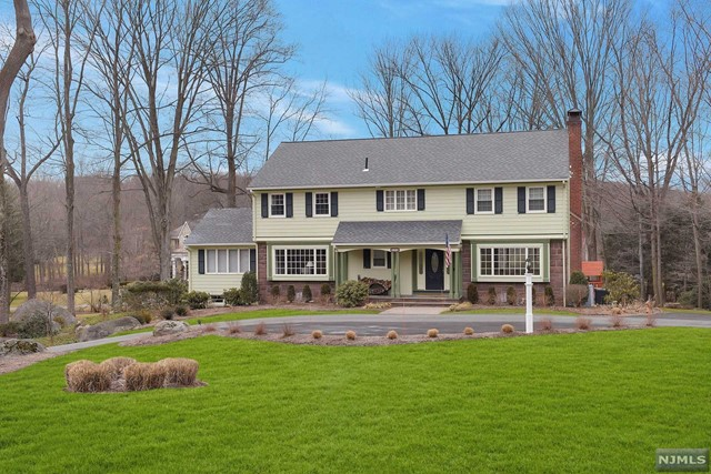 Single Family Home for Sale at 206 Greenridge Road 206 Greenridge Road Franklin Lakes, New Jersey 07417 United States