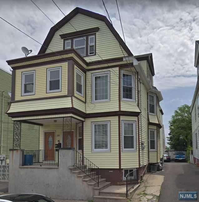 Villas / Townhouses for Sale at 326 Chestnut Street 326 Chestnut Street Kearny, New Jersey 07032 United States