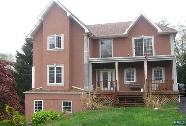 Single Family Home for Sale at 127 Prospect Street 127 Prospect Street Midland Park, New Jersey 07432 United States
