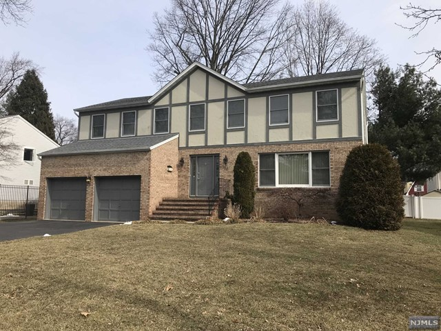 Single Family Home for Sale at 120 Vincent Street 120 Vincent Street Hillsdale, New Jersey 07642 United States