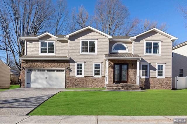 Single Family Home for Sale at 284 Van Saun Drive 284 Van Saun Drive River Edge, New Jersey 07661 United States