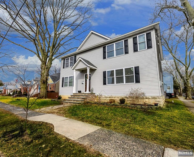 Single Family Home for Sale at 197 Grand Street 197 Grand Street New Milford, New Jersey 07646 United States