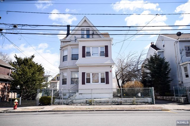 Villas / Townhouses for Sale at 441-443 East 27th Street 441-443 East 27th Street Paterson, New Jersey 07514 United States