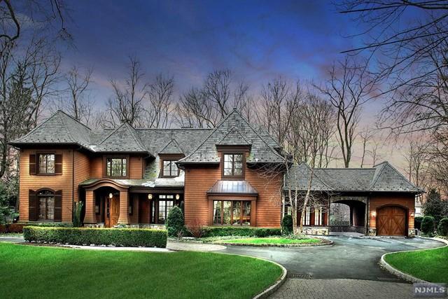 Single Family Home for Sale at 17 Bogert Road 17 Bogert Road Demarest, New Jersey 07627 United States