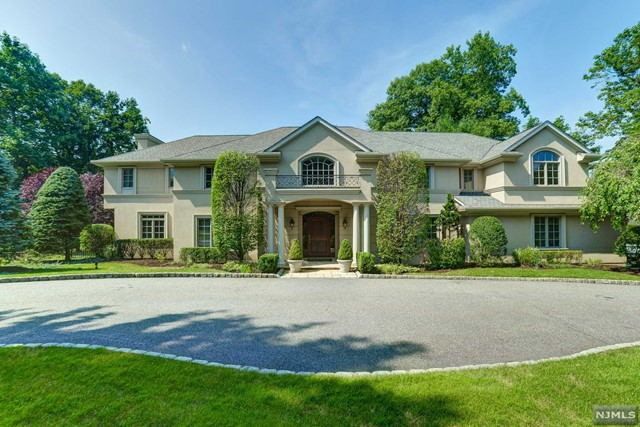 Single Family Home for Sale at 257 Truman Drive 257 Truman Drive Cresskill, New Jersey 07626 United States