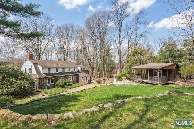 Single Family Home for Sale at 23 Locust Lane 23 Locust Lane Saddle River, New Jersey 07458 United States